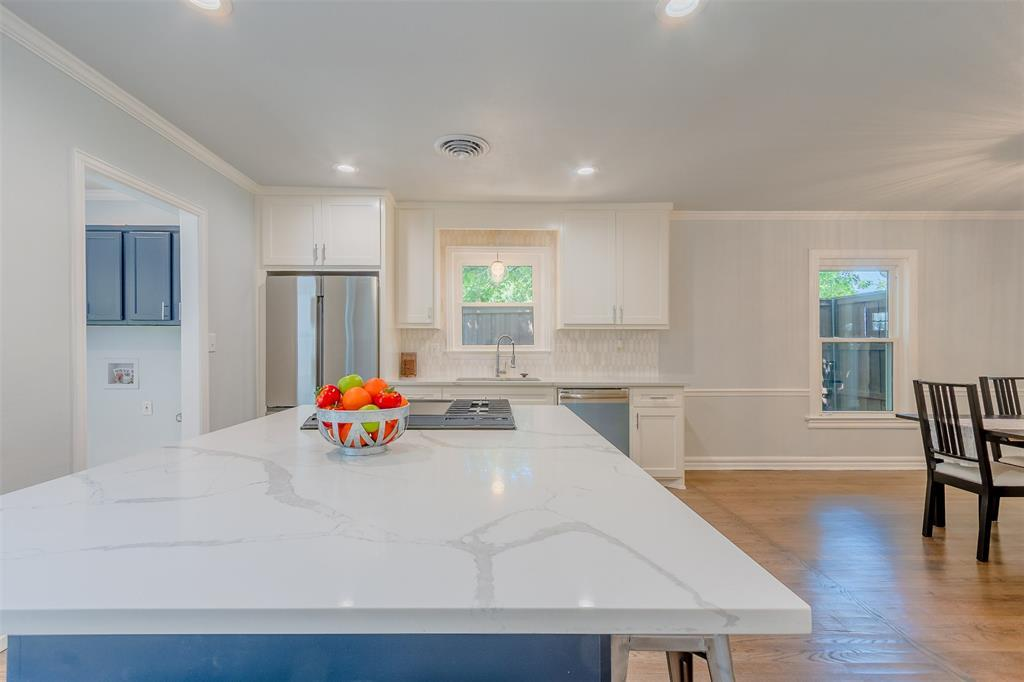 Sold Property | 6102 Revere  Place Dallas, TX 75214 10