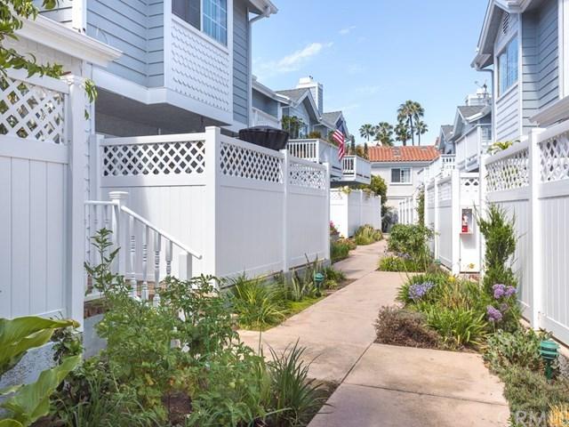 Closed | 103 N Broadway   #C Redondo Beach, CA 90277 2