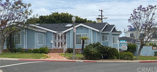 Active | 8160 Kenyon  Avenue Westchester, CA 90045 0