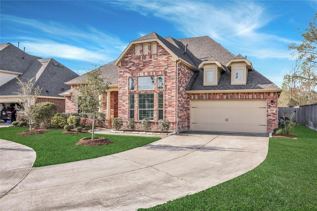 Active | 2621 River Slate Court Kingwood, Texas 77345 2