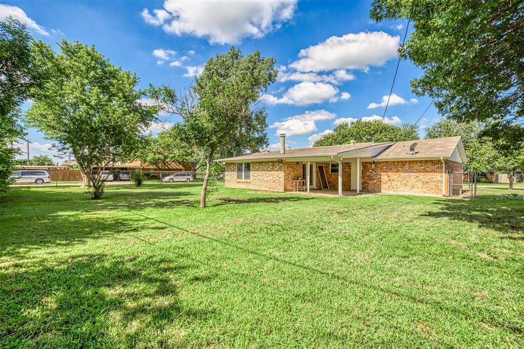 Active | 3825 Palomino  Drive Benbrook, TX 76116 5