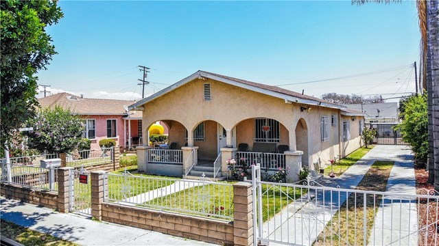 Closed | 8990 Cypress Avenue South Gate, CA 90280 1