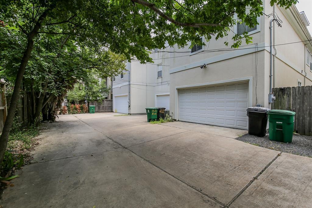 Off Market   4418 Blossom  Street Houston, TX 77007 31