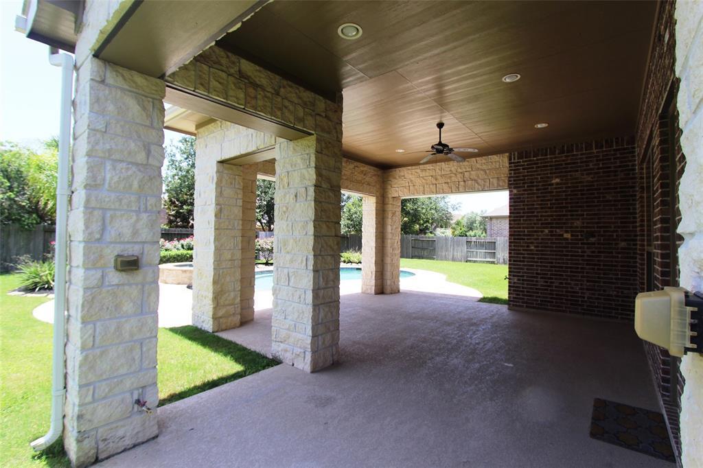 Pending | 27515 Hurston  Glen Katy, TX 77494 23