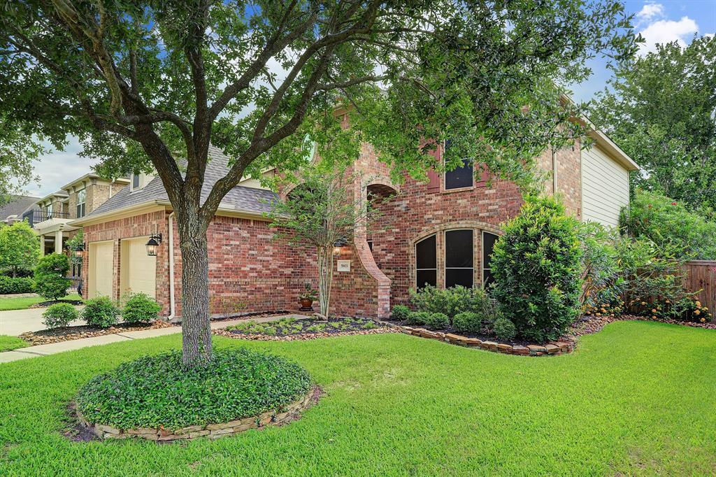 Pending   5903 Grovesnor  Street Pearland, TX 77584 1