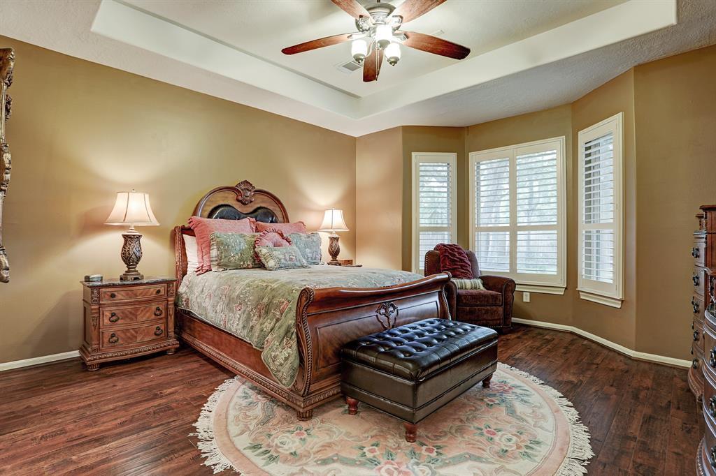 Pending   5903 Grovesnor  Street Pearland, TX 77584 17