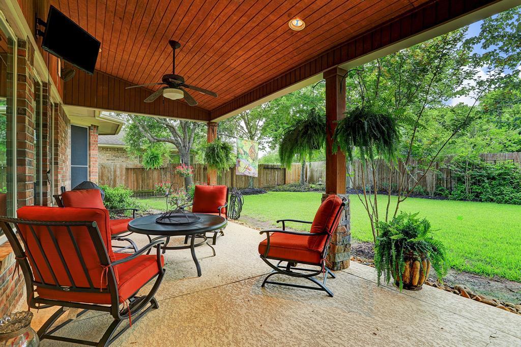 Pending   5903 Grovesnor  Street Pearland, TX 77584 30