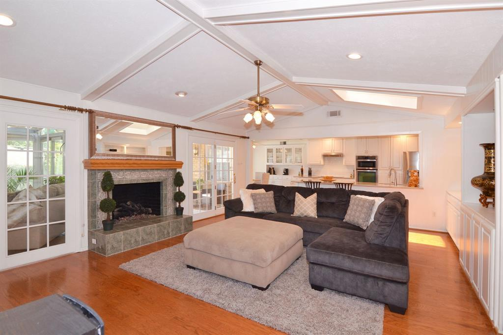 Active Option Contract | 4326 Shady Bend  Drive Dallas, TX 75244 9