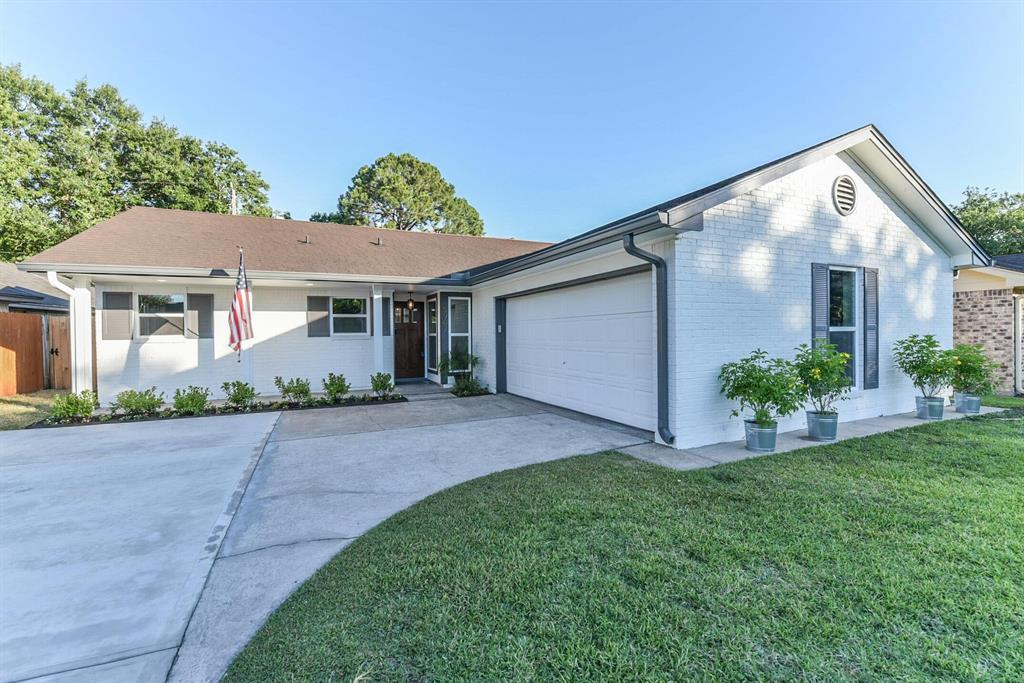 Pending Continue to Show | 5907 Hewitt  Drive Houston, TX 77092 1