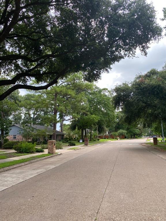 Active | 946 W Donovan  Street Houston, TX 77091 6