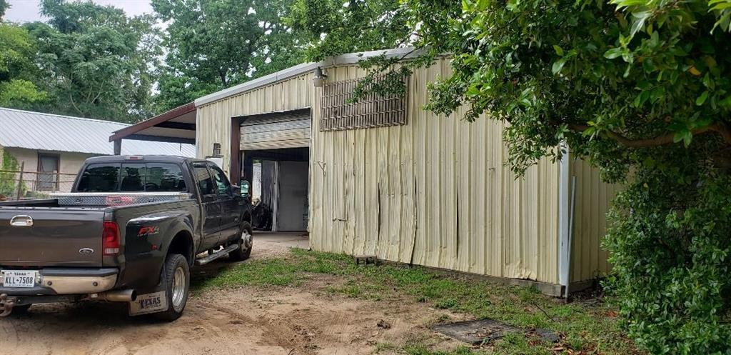 Off Market | 513 N Danville Street Willis, Texas 77378 1