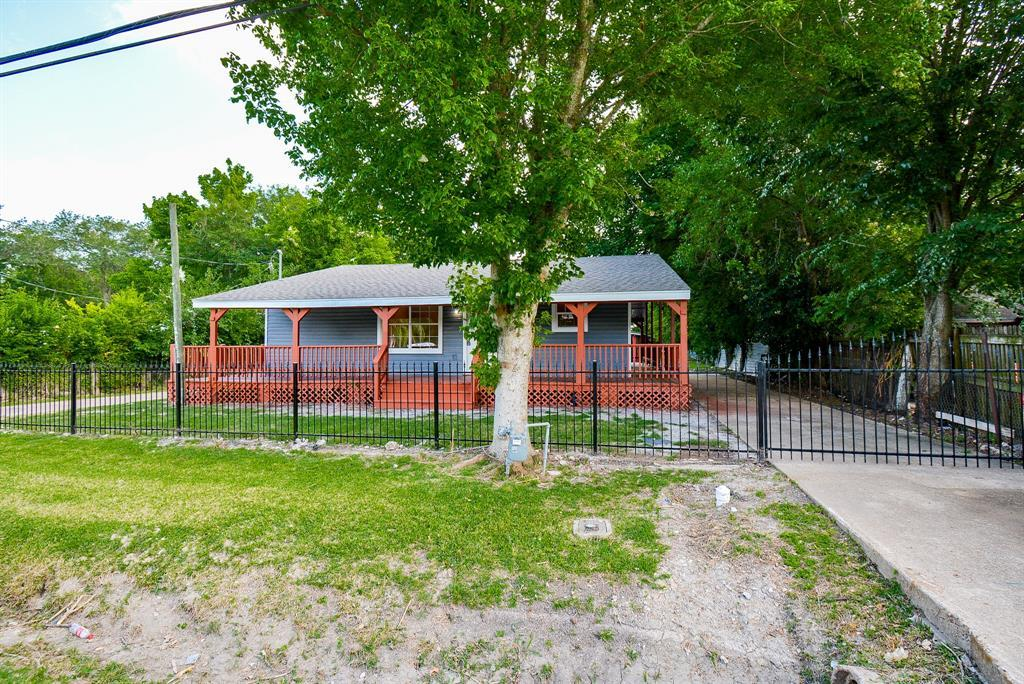 Active | 4902 Sycamore  Avenue Pasadena, TX 77503 2