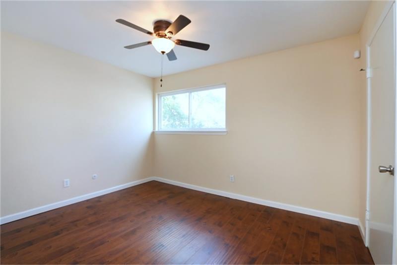 Active | 5076 Glenmont  Drive #B10 Houston, TX 77081 14