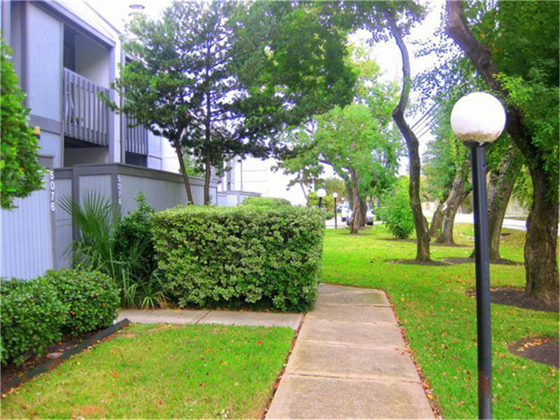 Active | 5076 Glenmont  Drive #B10 Houston, TX 77081 18