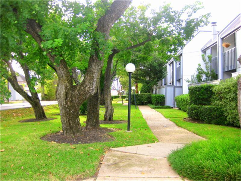 Active | 5076 Glenmont  Drive #B10 Houston, TX 77081 19