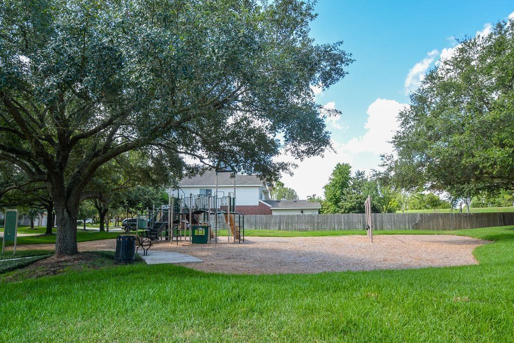 Active | 1010 Bayhill  Drive Sugar Land, TX 77479 3