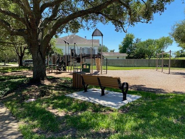 Active | 1010 Bayhill  Drive Sugar Land, TX 77479 32