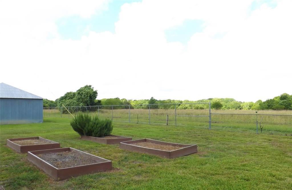 Fantastic Country Home On Right Size Acreage | 1187 Fm 1890 Columbus, TX 78934 4