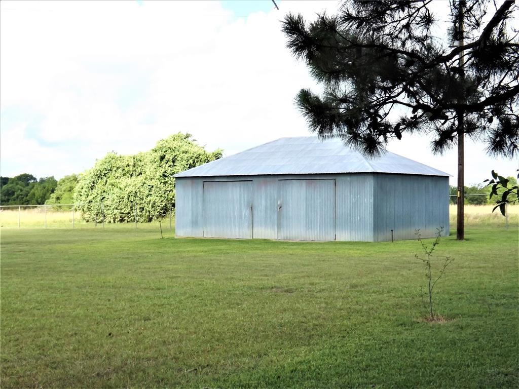Fantastic Country Home On Right Size Acreage | 1187 Fm 1890 Columbus, TX 78934 7