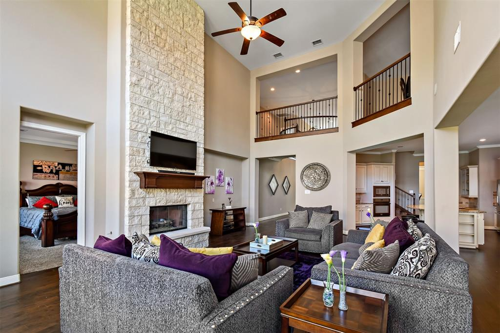 Active | 17315 Creekside Terrace  Court Tomball, TX 77375 24