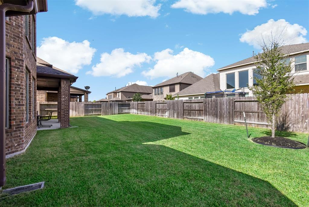 Active | 17315 Creekside Terrace  Court Tomball, TX 77375 4