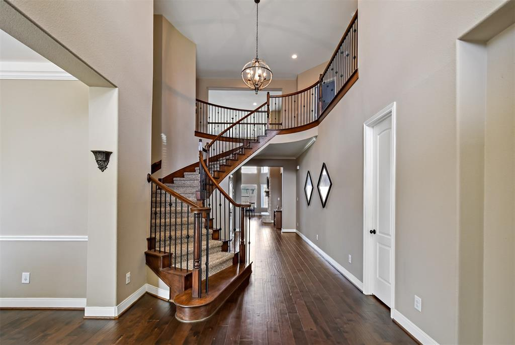 Active | 17315 Creekside Terrace  Court Tomball, TX 77375 5
