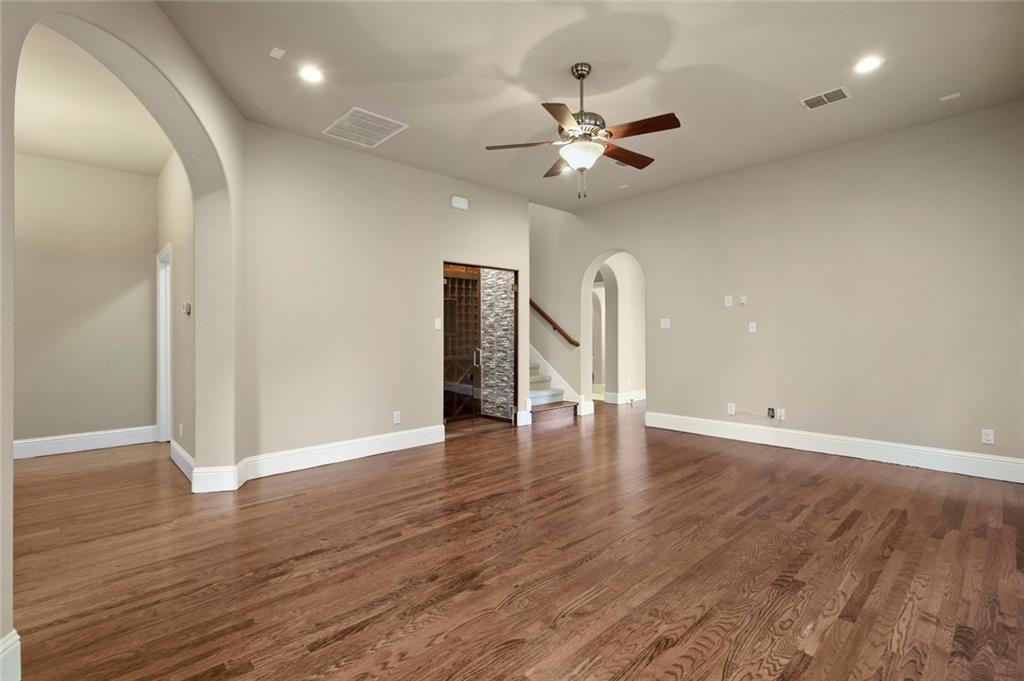 Housed Real Estate  | 2233 Longwood Drive Carrollton, Texas 75010 9