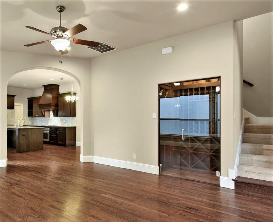 Housed Real Estate  | 2233 Longwood Drive Carrollton, Texas 75010 10