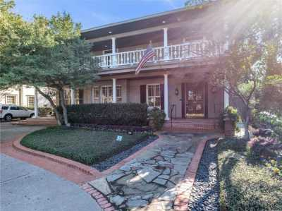 Sold Property | 3815 Beverly Drive 2