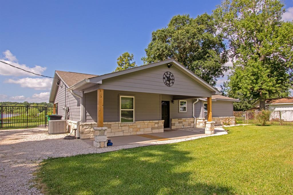 Active | 126 Magnolia Point Huffman, TX 77336 1