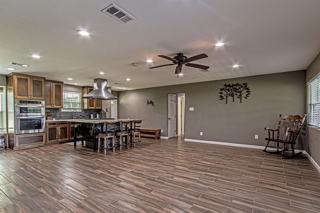 Active | 126 Magnolia Point Huffman, TX 77336 10
