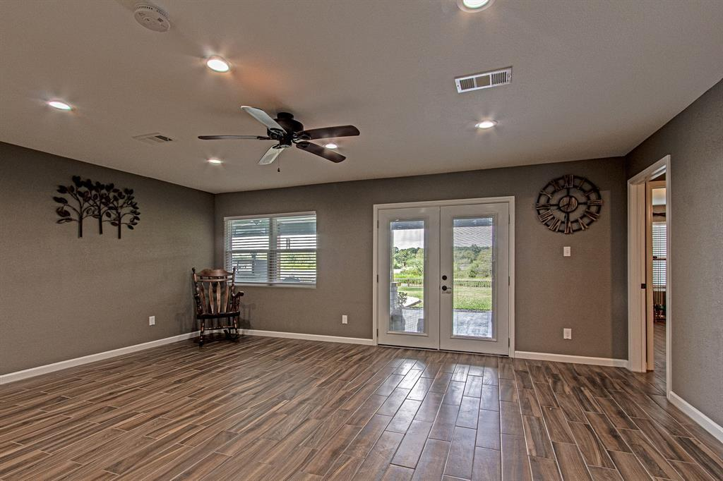 Active | 126 Magnolia Point Huffman, TX 77336 7