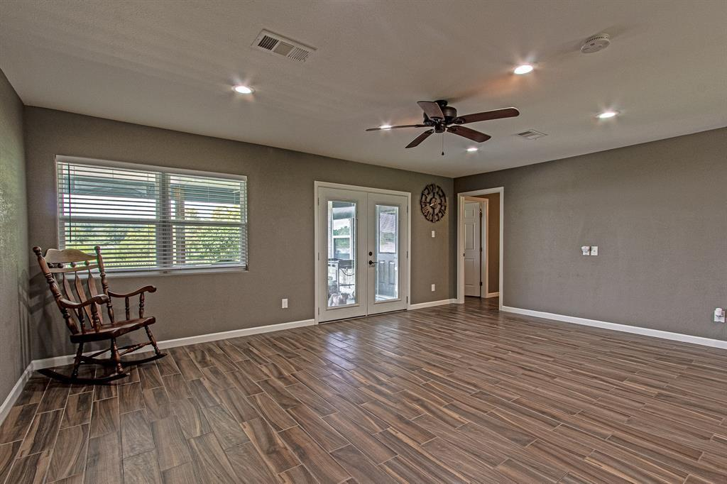 Active | 126 Magnolia Point Huffman, TX 77336 8