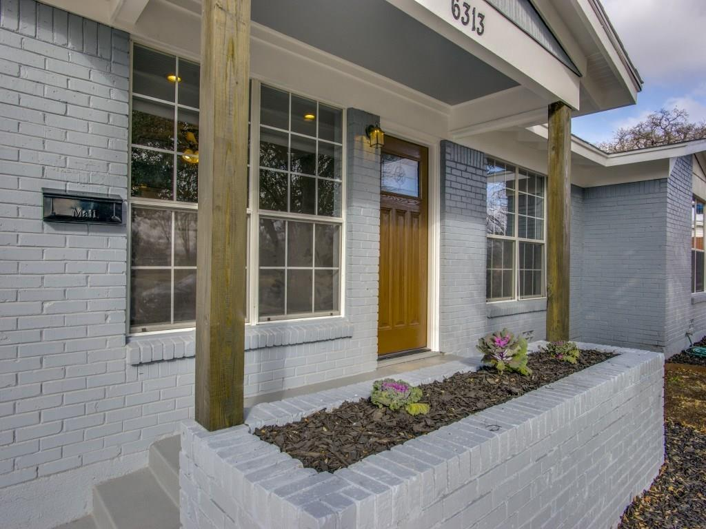 Sold Property | 6313 Greenlee Street Fort Worth, Texas 76112 3