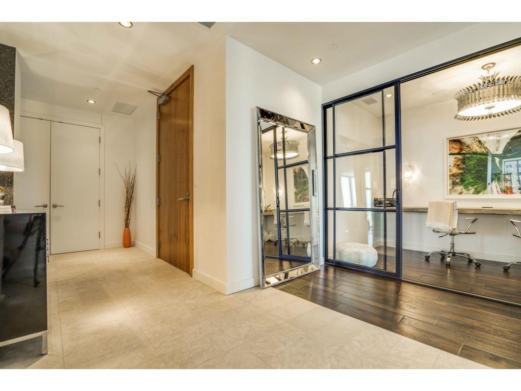 Sold Property   2900 Mckinnon Street #1405 Dallas, TX 75201 1