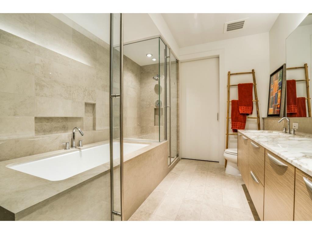 Sold Property   2900 Mckinnon Street #1405 Dallas, TX 75201 17