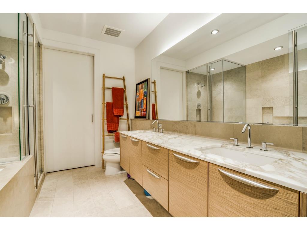 Sold Property   2900 Mckinnon Street #1405 Dallas, TX 75201 18
