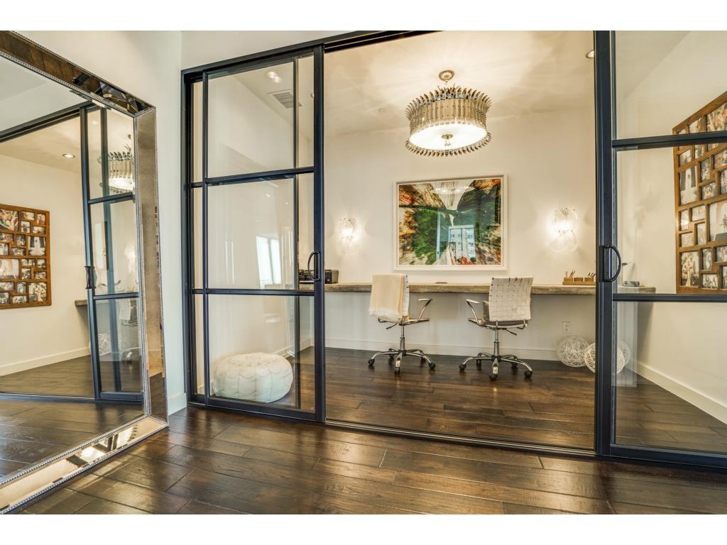 Sold Property   2900 Mckinnon Street #1405 Dallas, TX 75201 2