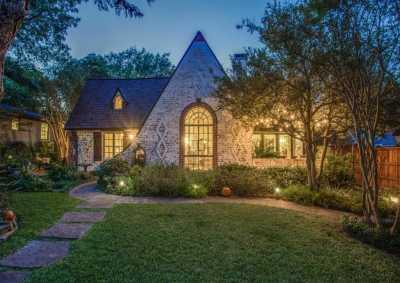 Sold Property | 2411 Auburn Avenue Dallas, Texas 75214 3