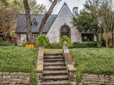 Sold Property | 2411 Auburn Avenue Dallas, Texas 75214 6