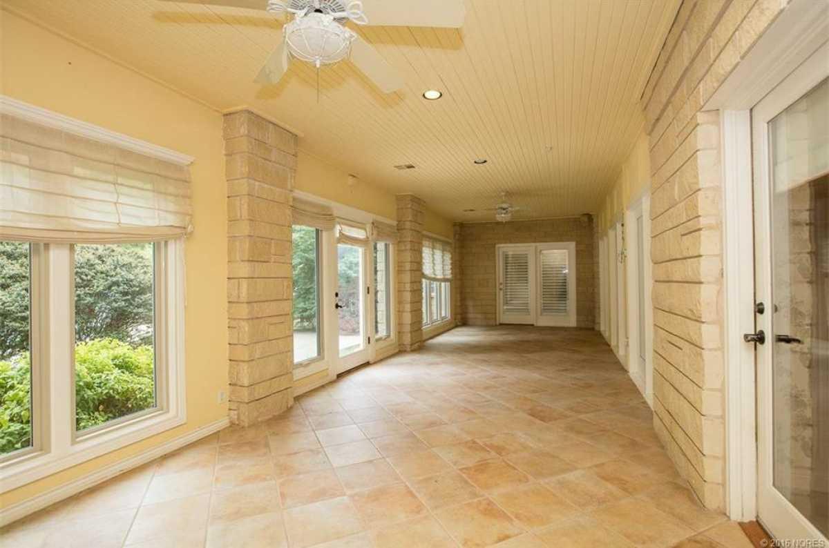 Tulsa Luxury Homes | 11402 South Granite Place Tulsa, OK 74137 10
