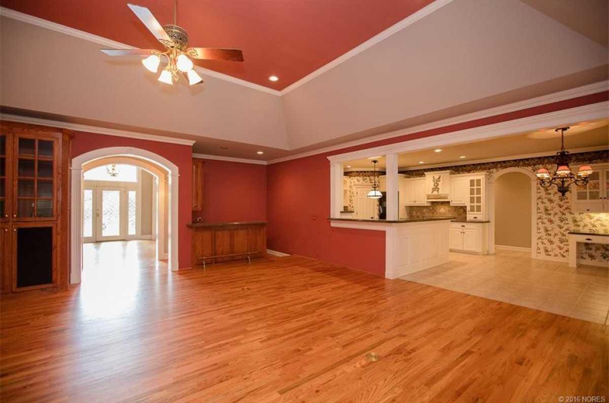 Tulsa Luxury Homes | 11402 South Granite Place Tulsa, OK 74137 17