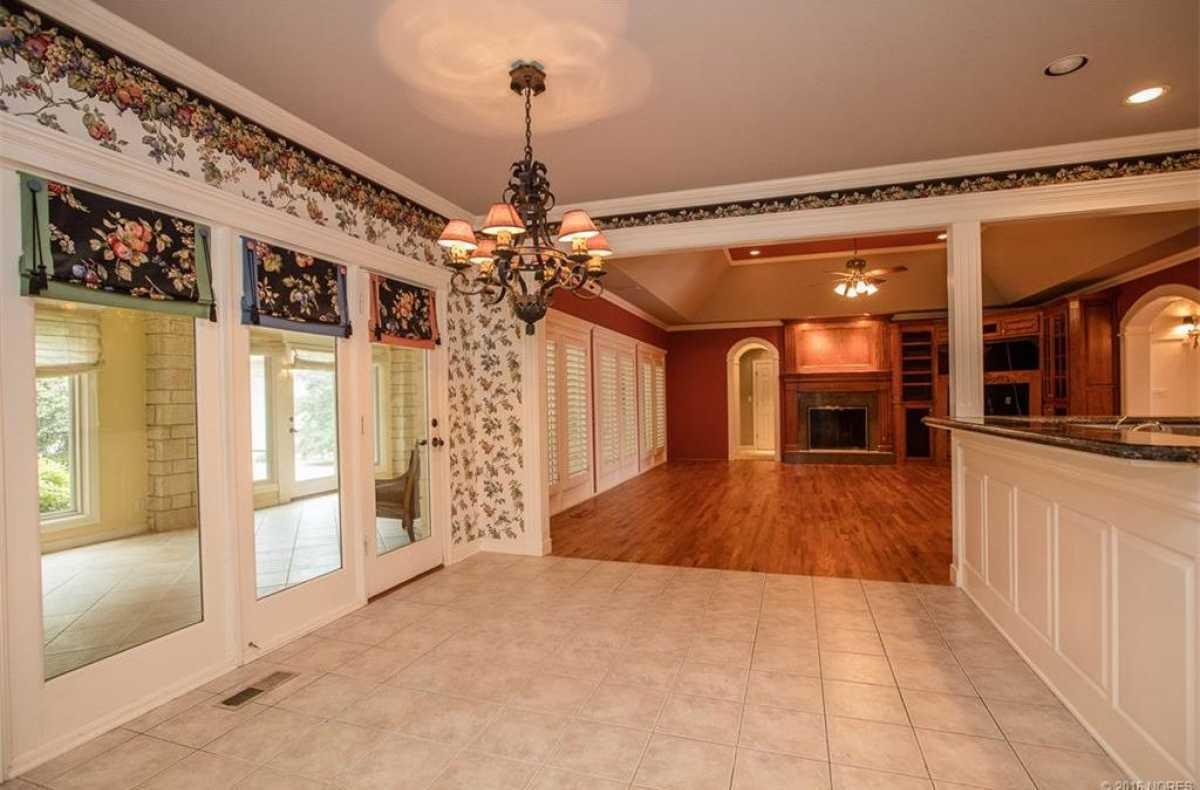 Tulsa Luxury Homes | 11402 South Granite Place Tulsa, OK 74137 2