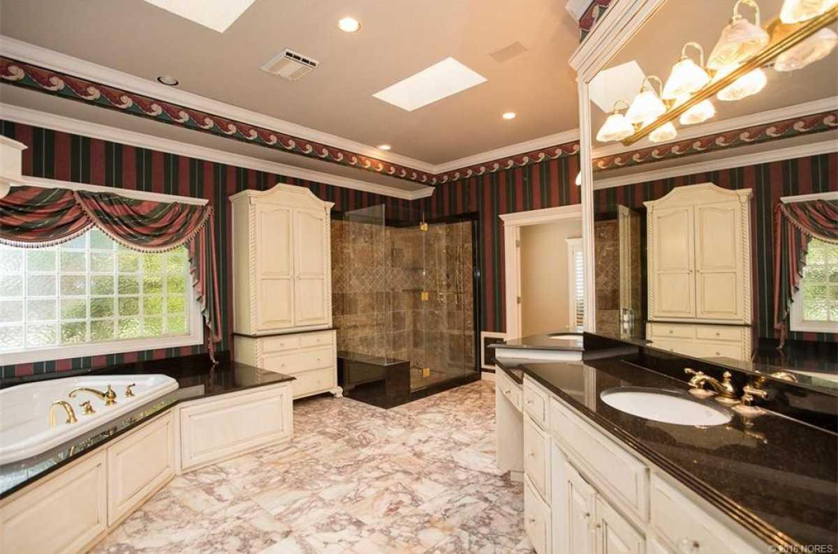 Tulsa Luxury Homes | 11402 South Granite Place Tulsa, OK 74137 35