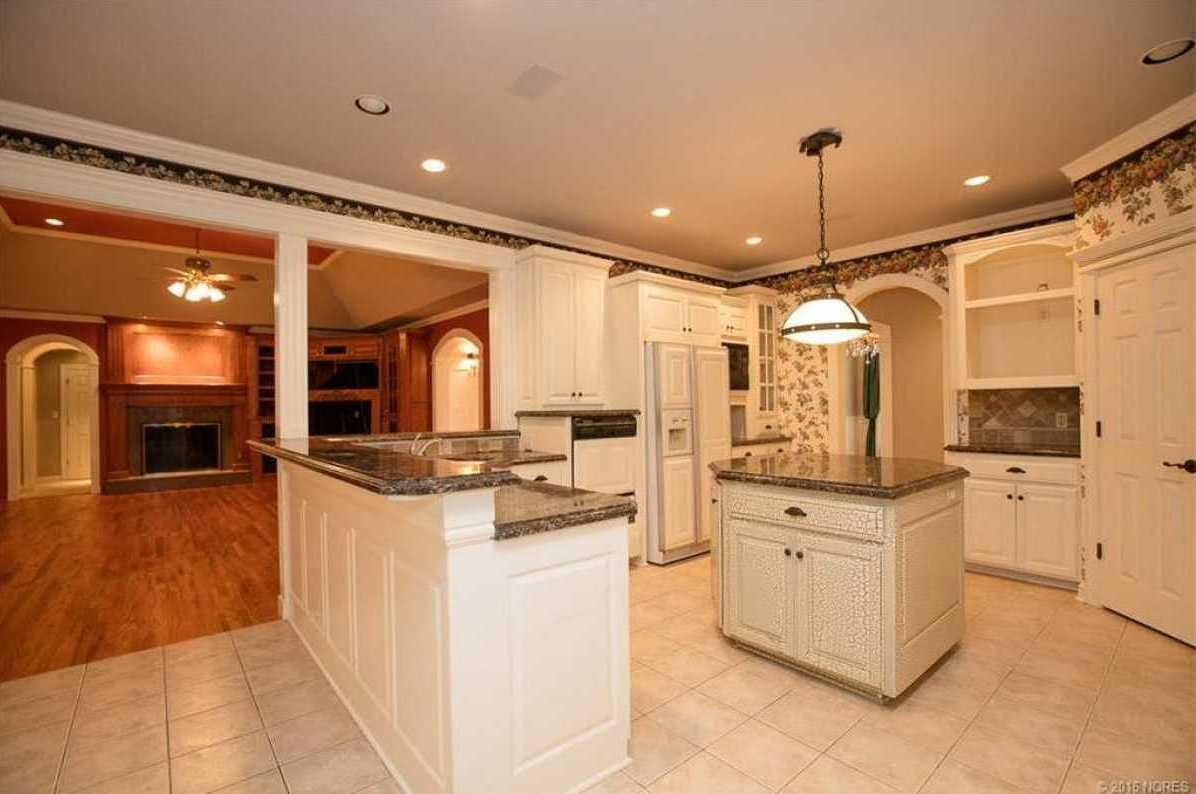 Tulsa Luxury Homes | 11402 South Granite Place Tulsa, OK 74137 8