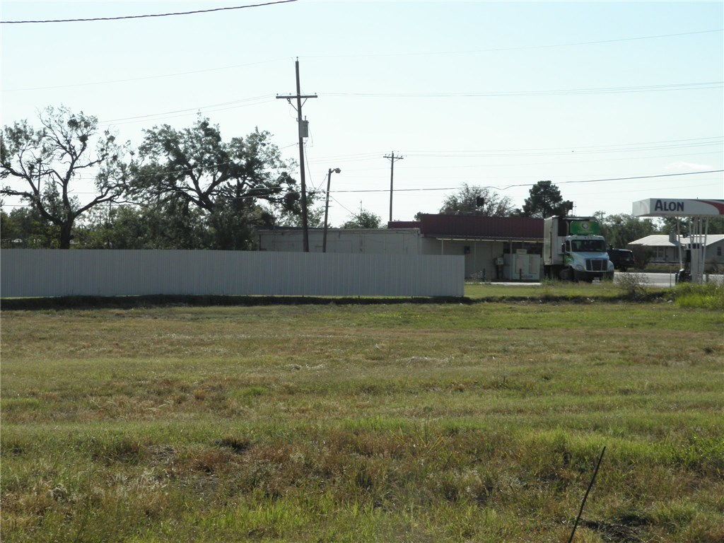 Active | 122 S Access  Road Tye, TX 79563 0