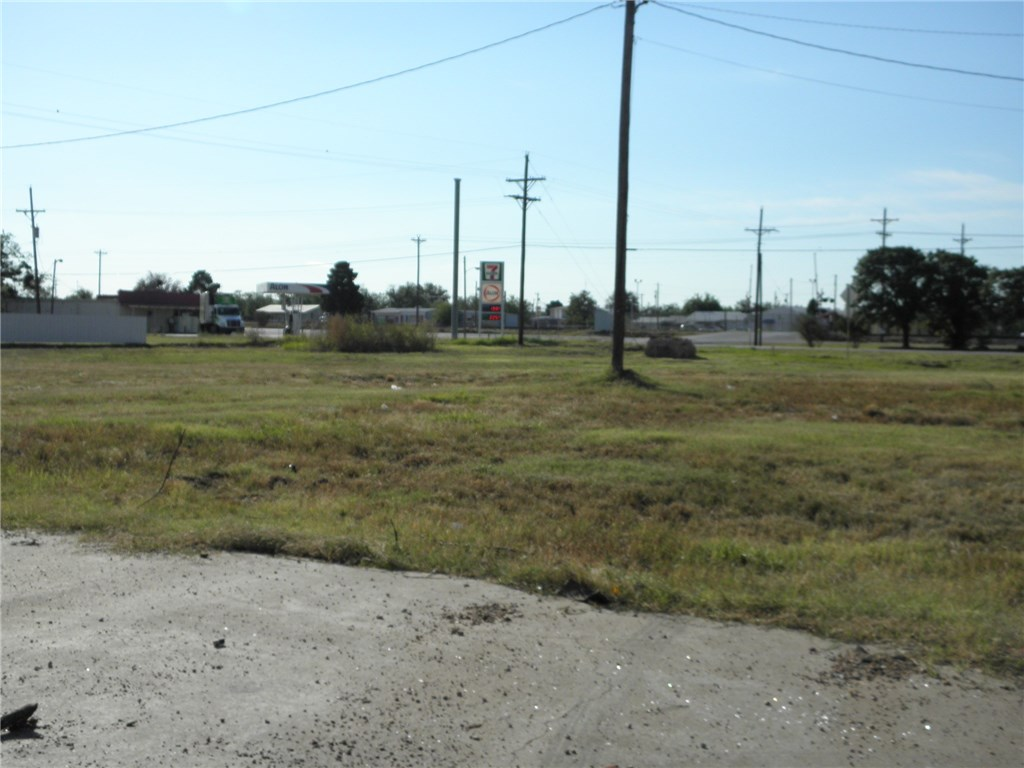 Active | 122 S Access Road Tye, TX 79563 1