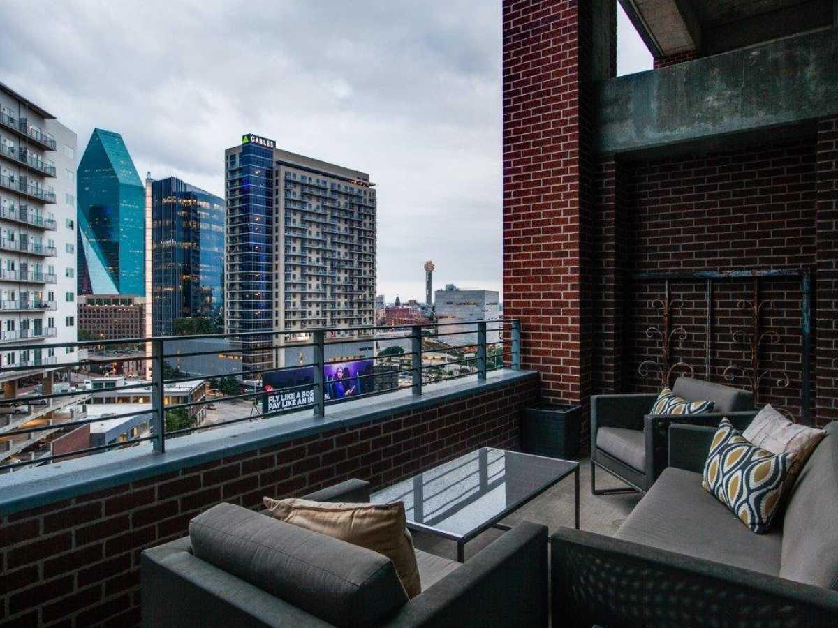 Luxury condo for sale | 2011 Cedar Springs Road #502 Dallas, TX 75201 21