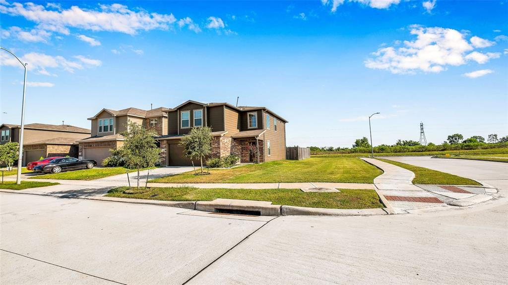 Active | 2531 Skyview Silver  Drive Houston, TX 77047 11