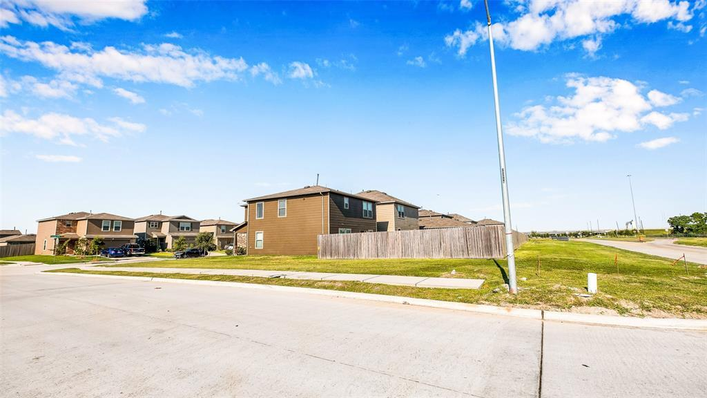 Active | 2531 Skyview Silver  Drive Houston, TX 77047 13